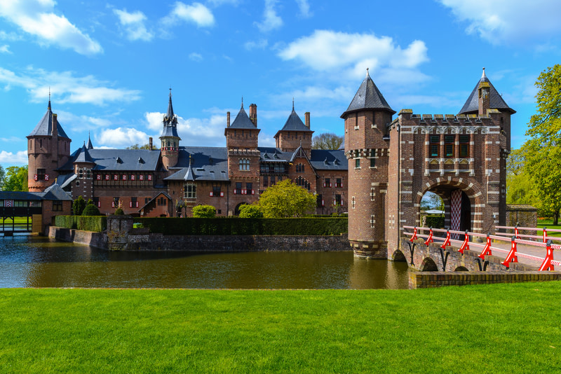 Get out of town and visit Get out of town De Haar Castle in Utrecht
