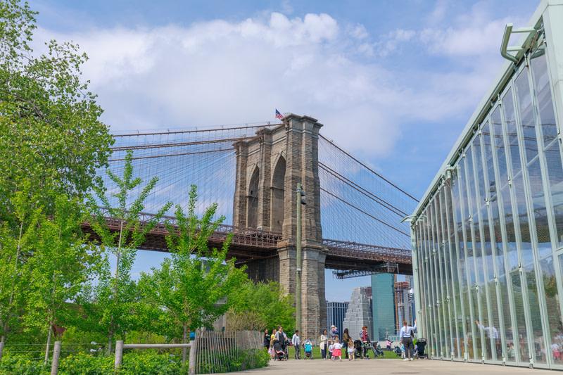 Enjoy a tour in Brooklyn Bridge Park