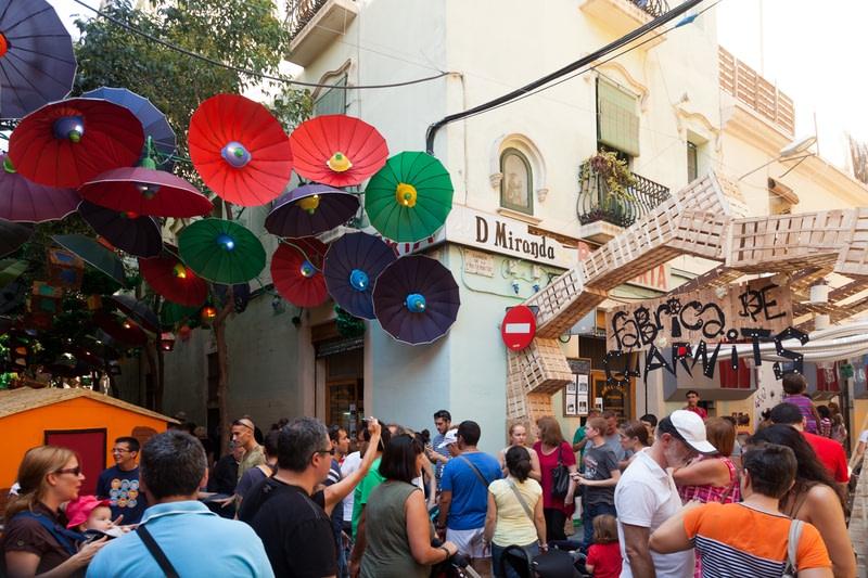 Enjoy the neighborhood festival in Barcelona
