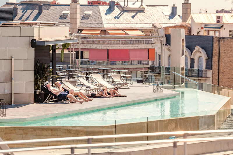 Keep cool in cool Swimming Pools