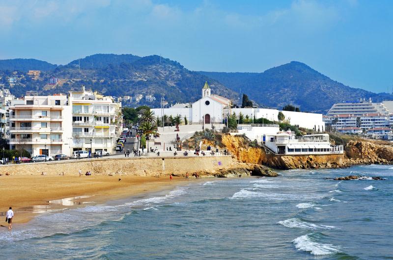 Take a day trip to a beach town